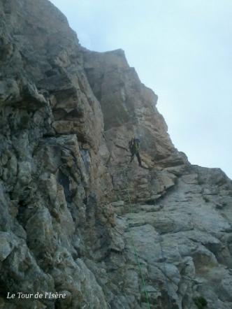Descente en rappel du dernier gendarme des crêtes de Chalimont en direction du pic Turbat.