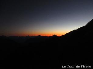 Coucher de soleil : après une arrivée au col des sellettes à 21h, et au refuge de l'Olan à 22h30 !