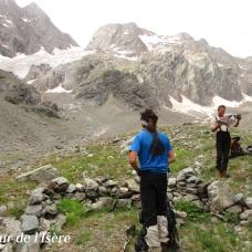A gauche, le glacier du chardon qu'on vient de descendre, très fracturé...