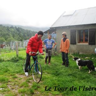 Un vélo qu'il faut tester pour comprendre... Montez voir la bergère du col de la croix, elle sera ravie de vous le faire essayer !