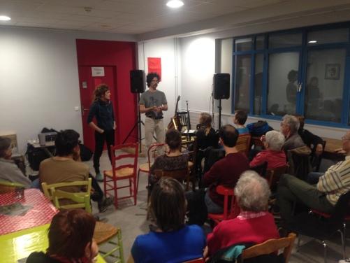 projection et discussion à La Pirogue
